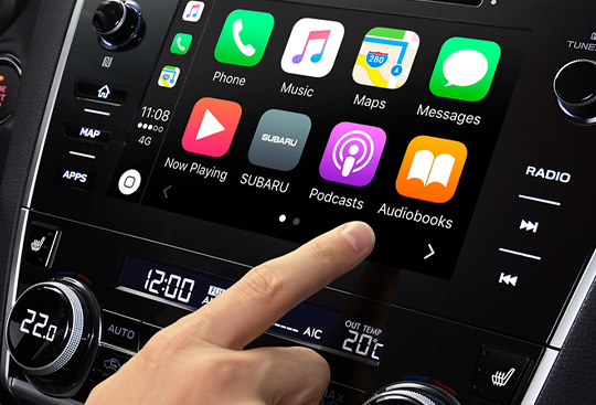 Apple CarPlay<sup>*2</sup> a Android Auto<sup>*3</sup>