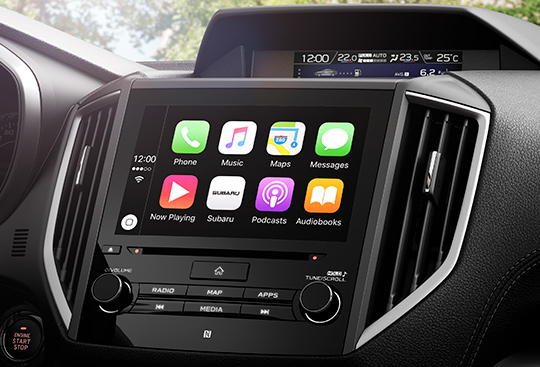 Apple CarPlay<sup>*1</sup> a Android Auto™<sup>*2</sup>