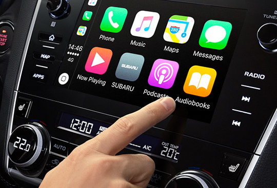 Systémy Apple CarPlay a Android Auto™